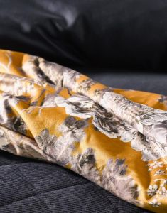 ESSENZA Maily Gold Plaid 135 x 170 cm